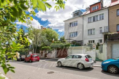 4 bedrooms, Prague 5, Košíře, street: Na Stárce